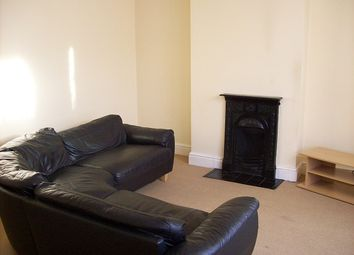 Thumbnail 1 bed flat to rent in Stuart Street, Leicester