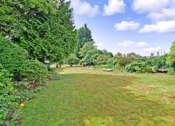 Thumbnail 4 bed link-detached house for sale in Selwyn Crescent, Welling, Kent