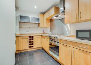 Thumbnail 1 bed flat to rent in City Road, Old Street, London