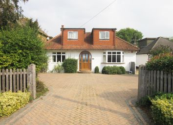 Thumbnail 3 bed cottage for sale in Welley Road, Wraysbury, Staines-Upon-Thames