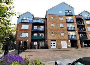2 bed flat to rent in Anchor Court, Argent Street, Grays RM17