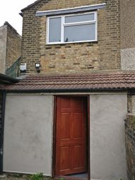 Thumbnail 3 bed flat to rent in Clarence Road, Grays