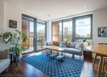 Carlton Grove, Peckham, London SE15. 3 bed flat for sale
