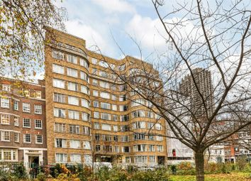 Thumbnail 1 bed flat to rent in Florin Court, Charterhouse Square, London