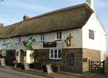 Thumbnail Pub/bar for sale in Monkleigh, Bideford