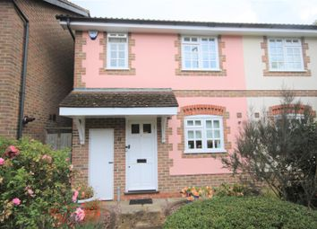 3 bed property for sale in Osborne Close, Cockfosters, Barnet EN4