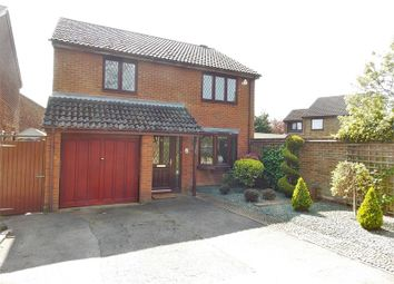 Thumbnail 4 bedroom detached house to rent in Dorking Way, Calcot, Reading