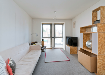 Balls Pond Road, Islington, London N1. 1 bed flat for sale