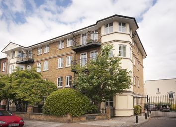2 bed flat to rent in Sycamore Mews, London SW4