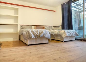 4 bed shared accommodation to rent in Carmen Street, London E14