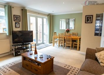 3 bed semi-detached bungalow for sale in Stowe Road, Slough, Berkshire SL1