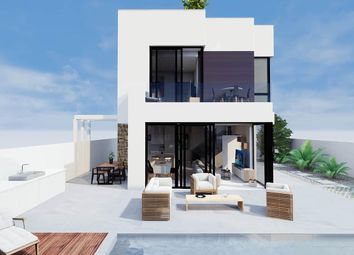 Thumbnail 3 bed villa for sale in Calle Fischer 03183, Torrevieja, Alicante