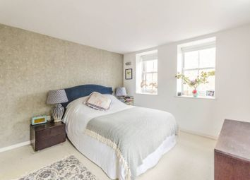 Thumbnail 2 bed flat for sale in Drummond Way N1, Islington, London,
