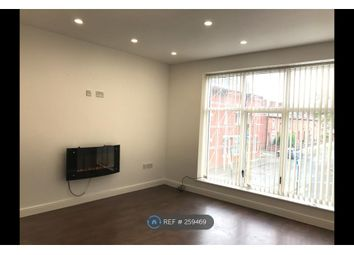 Thumbnail 1 bed flat to rent in Railway Rd, Leigh