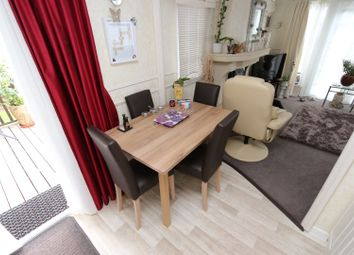 Thumbnail 2 bed mobile/park home for sale in Finlake Holiday Park, Chudleigh