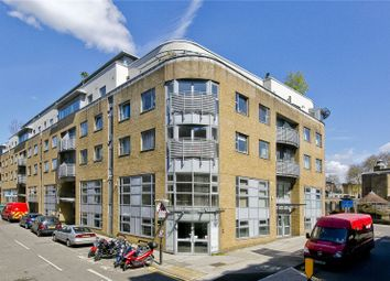 Thumbnail 2 bedroom flat for sale in Naoroji Street, Finsbury