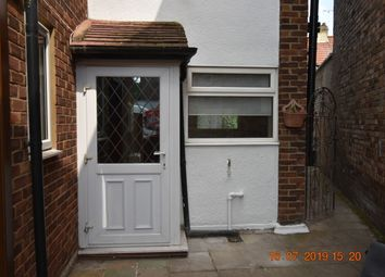 Thumbnail 2 bed town house to rent in Winchester Road, London