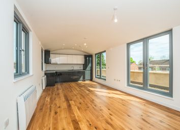 Thumbnail 2 bedroom flat for sale in Courtlands, Maidenhead