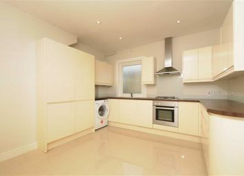 Thumbnail 3 bed flat to rent in Quinton Street, London