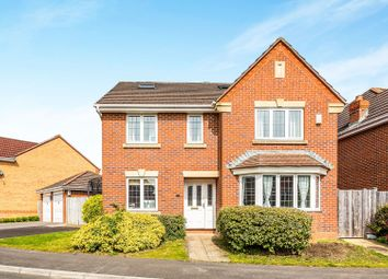 Thumbnail 5 bedroom detached house for sale in Woodavon Gardens, Thatcham