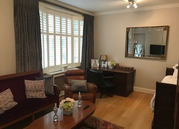 Thumbnail 3 bed flat to rent in Grape Street, London