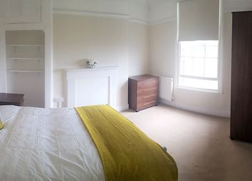 Thumbnail Studio to rent in New Road, Rochester