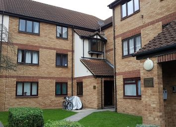 Thumbnail 2 bed flat to rent in Magpie Close, London