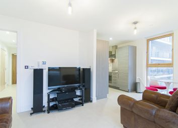 Thumbnail 1 bed flat to rent in Streamlight Tower, Province Square, London