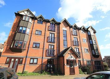 Thumbnail 2 bed flat for sale in Talbot Court, Reading