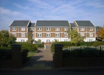 Thumbnail 1 bed flat to rent in Knightsbridge House, St Lukes Square, Guildford