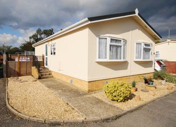 Thumbnail 2 bedroom mobile/park home for sale in Pilgrims Park, Southampton Road, Ringwood, Hampshire