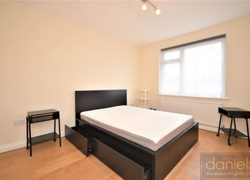 Room to rent in Elm Way, Neasden, London NW10