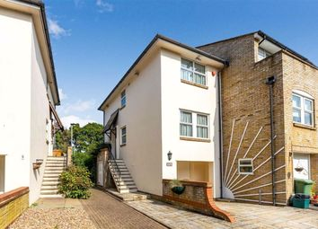 Farnborough Crescent, Hayes, Kent BR2. 2 bed end terrace house