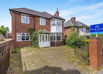 Thumbnail 4 bedroom detached house for sale in Poolfield Avenue, Newcastle-Under-Lyme