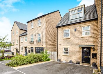 Thumbnail 3 bedroom town house for sale in Norfolk Avenue, Ferndale, Huddersfield