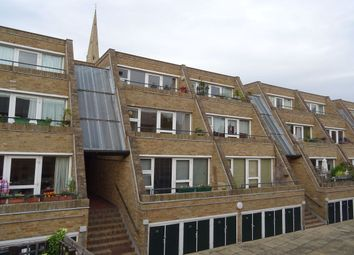 Thumbnail 2 bed flat to rent in Malcolm Place, Cambridge