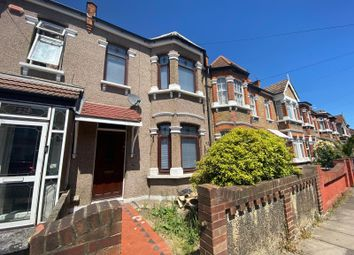 Hampton Road, Ilford, Essex IG1. 3 bed terraced house