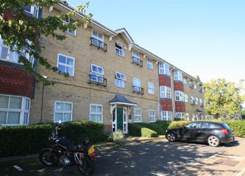 Thumbnail 2 bed flat to rent in Wayletts, Leigh-On-Sea