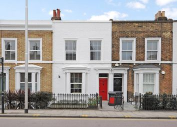 Thumbnail 2 bed flat to rent in Wandsworth Road, Clapham, London