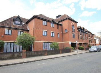 Golding Court, Riverdene Road, Ilford IG1. 2 bed flat