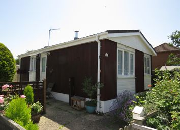 Thumbnail 2 bedroom mobile/park home for sale in Meadow Park, Sherfield-On-Loddon, Hook