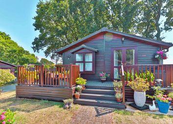 Hurtwood Lane, Farley Green, Albury, Guildford GU5. 2 bed property