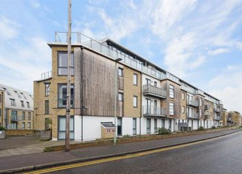 Thumbnail 1 bed flat to rent in Mead Lane, Hertford