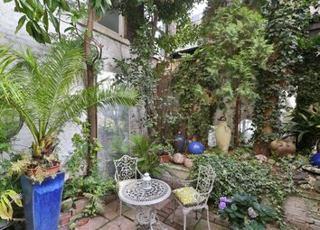 Thumbnail 2 bed flat for sale in Acton Street, London
