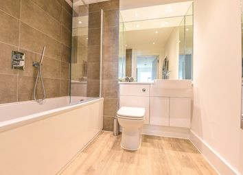 High Street, Staines Upon Thames, Surrey TW18. 2 bed flat for sale