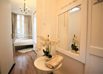 1 bed maisonette to rent in Morella Road, London SW12