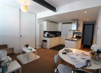 Thumbnail 3 bedroom flat to rent in Channelsea Road, Stratford