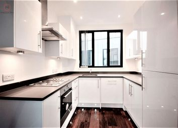 Thumbnail 4 bed flat to rent in Old Street, Shoreditch, London