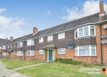 Thumbnail 2 bedroom flat for sale in Chadwell Avenue, Cheshunt, Cheshunt, Hertfordshire
