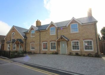 Thumbnail Flat to rent in Rusham Road, Egham